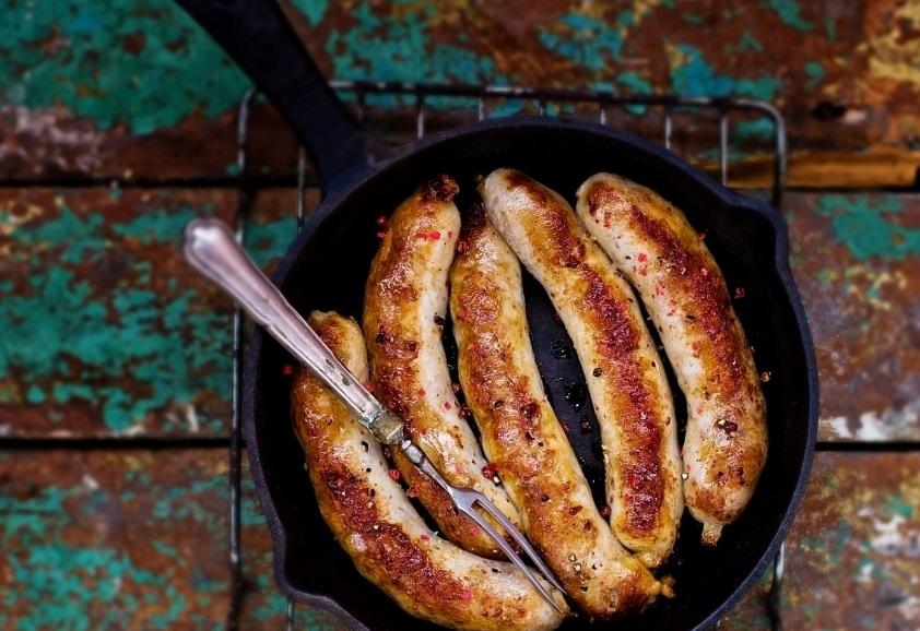 Comment réussir la cuisson des saucisses de Toulouse?