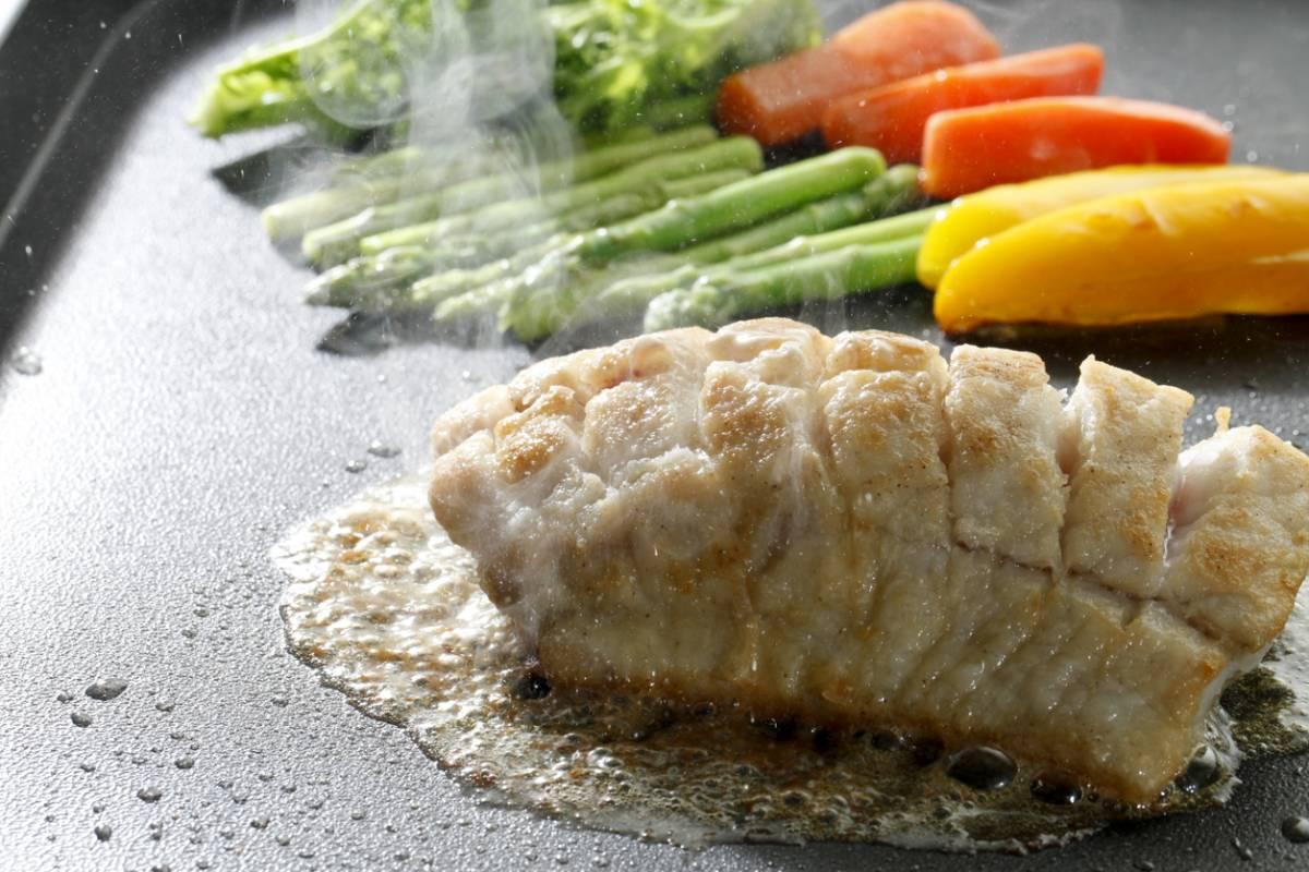 Quelle plancha choisir pour réussir la cuisson de vos viandes ?